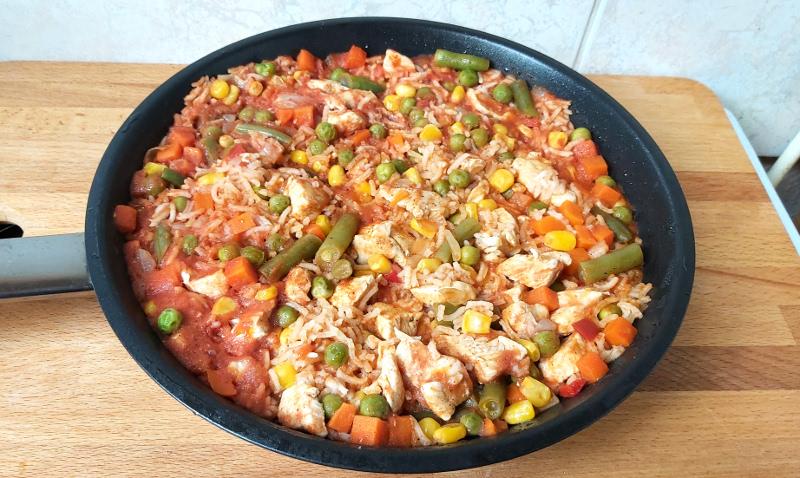 Zöldséges rizses csirkemell ⋆ Csirkemell-receptek.hu