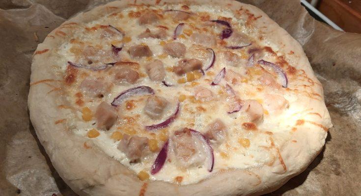 fokhagymás tejfölös csirkés pizza recept